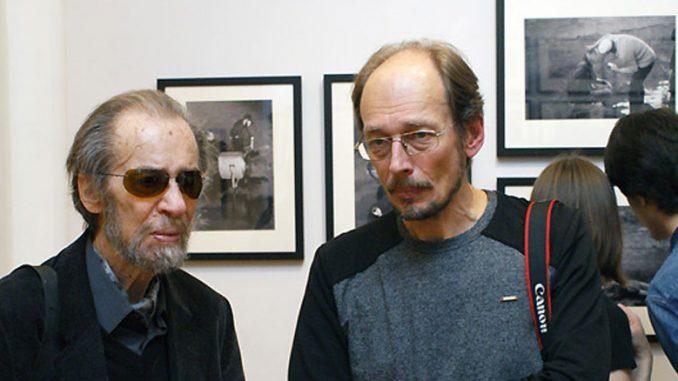 Григорий Верховский и фотограф Сергей Бессмертный на выставке в Русском музее в Санкт-Петербурге.