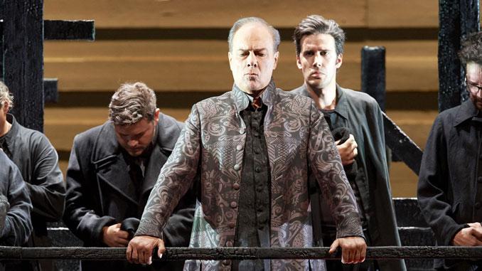 """Сцена из оперы """"Хованщина"""". Фото – Майкл Пен (Фотография предоставлены пресс-службой Венской оперы)"""