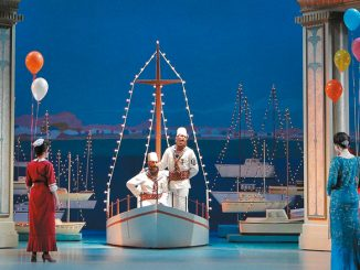 """Сцена из спектакля """"Так поступают все"""". Опера Сан-Франциско. Фото – Кори Вейвер"""