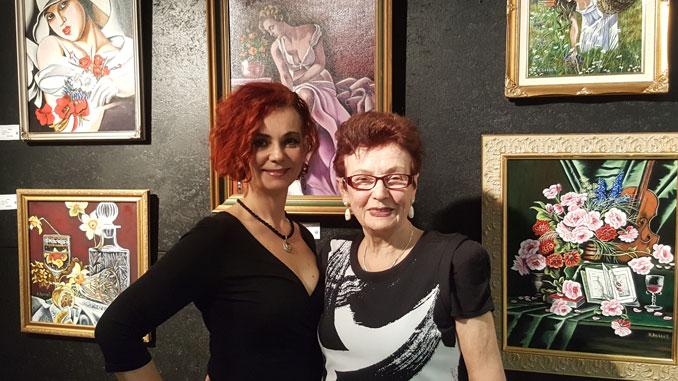 Нелли Беккер (справа)