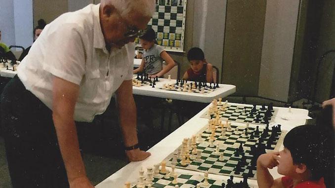 На снимке: пятилетний Паркер Шеффлер против Леонида Бондаря.