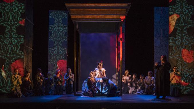"""Сцена из спектакля """"Иоланта"""". Чикагский оперный театр, 2018 год. Фото – Майкл Бросилоу"""