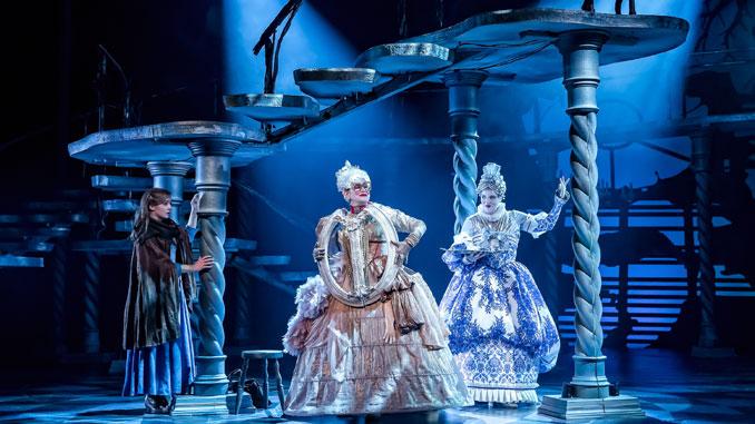 "Сцена из спектакля ""Красавица и Чудовище"". Фото – Drury Lane Theatre"
