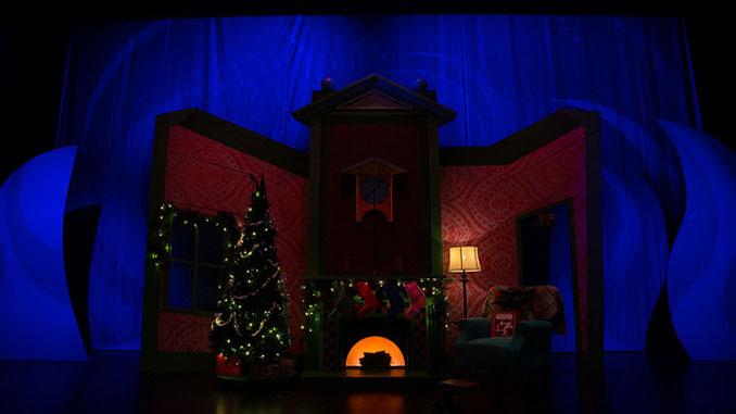 """Сцена из спектакля """"Ночь перед Рождеством"""". Фото – Остин Ой"""