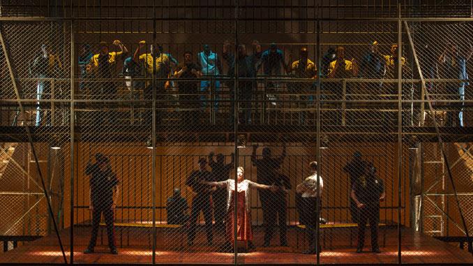 """Сцена из оперы """"Мертвец идет"""" (Хьюстонская опера). Фото - Феликс Санчес"""