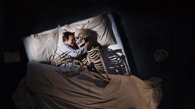 """Сцена из оперы """"Пиковая дама"""" (Хьюстонская опера). Фото - Феликс Санчес"""