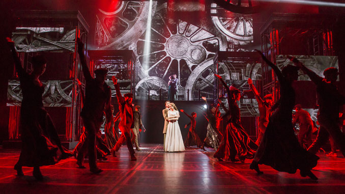 "Сцена из спектакля ""Анна Каренина"". Фото - Stage Russia"
