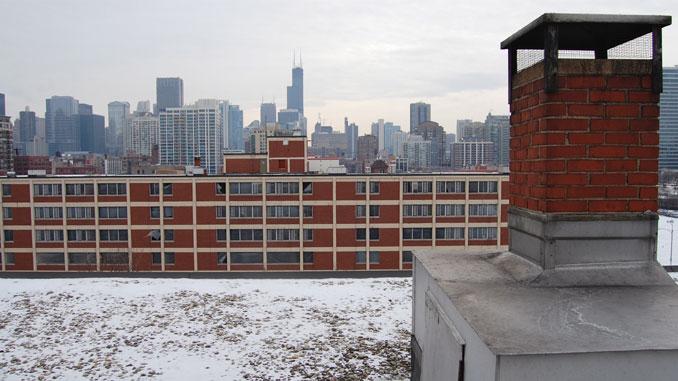 """Вид сверху на чикагский район Кабрини-Грин, где происходит действие спектакля """"Ее честь Джейн Бирн"""". Фото - Мэтью Тютор"""