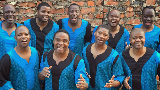 Ladysmith Black Mambazo. Фото - Steppenwolf Theatre