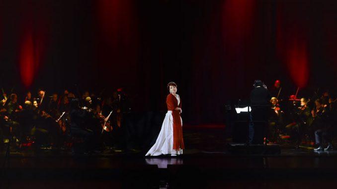"""Сцена из спектакля """"Callas in Concert: The Hologram Tour"""". Фото - Base Hologram"""