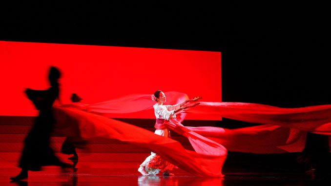 "Сцена из спектакля ""Мадам Баттерфляй"". Фото - Кен Ховард/Metropolitan Opera"