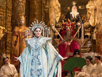 "Кристина Герке в спектакле ""Турандот"". Фото - Марти Сол/Metropolitan Opera"