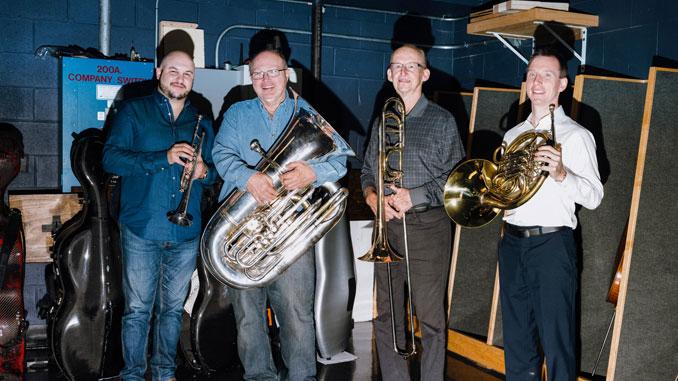 (Слева направо) Эстебан Баталлан, Джин Покорны, Джей Фридман, Дэвид Купер. Фото - Линдон Френч/New York Times (Там, где 18 декабря...)