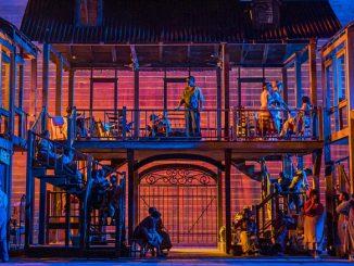 """Сцена из спектакля """"Порги и Бесс"""" (Английская национальная опера). Фото - Тристрам Кентон"""