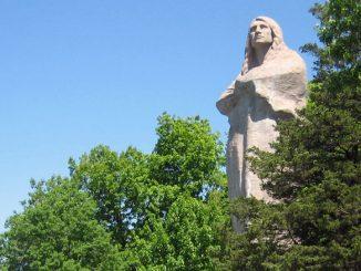Статуя Черного Ястреба, Lowden State Park, Иллинойс