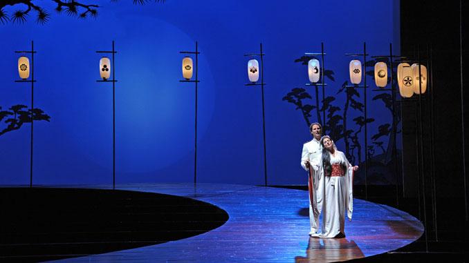 "Сцена из спектакля ""Мадам Баттерфляй"", Лирик-опера, сезон 2013-14 годов. Фото - Дэн Рест"