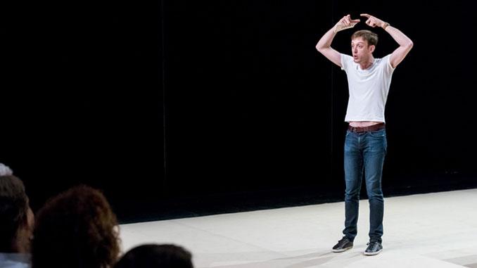 """Сцена из спектакля """"Федра"""" театра Vidy-Lausanne. Фото - Лоа Нгуен"""
