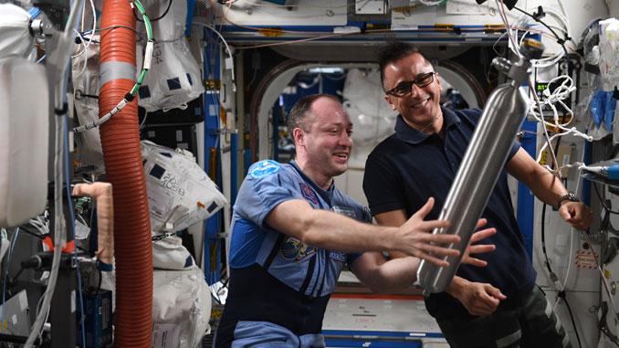На МКС с астронавтом Джозефом Акаба