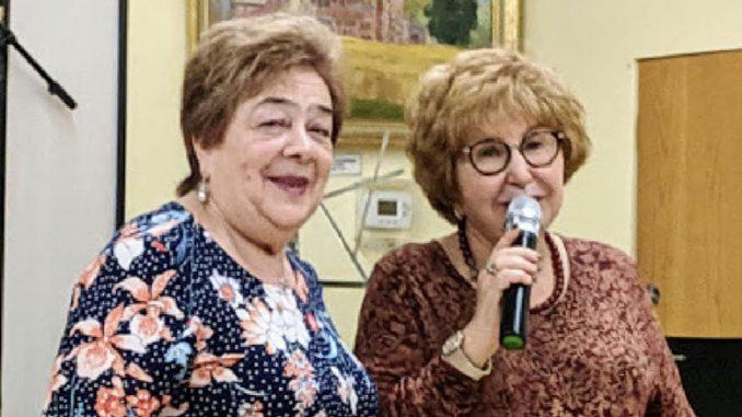 Любовь Бэл (слева) и Лариса Тургель, директора культурно-просветительных программ центра Forever Young в Вилинге. Фото: Марк Островский