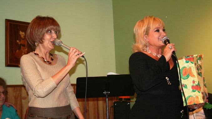Ольга Пильников и Марта Литас - основатели центра Forever Young. Фото: Марк Островский