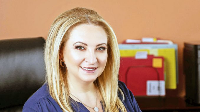 Адвокат Лора Голуб