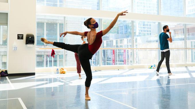 Анаис Буэно на репетиции. Фото - courtesy of Joffrey Ballet