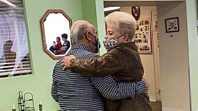 Наум Капилевич и Лиза Дмитриева.Фото:Forever Young