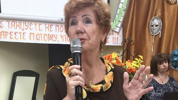 Посетительница Алла Шаповал часто выступает на радиопрограммах Центра во время карантина.Фото:Forever Young