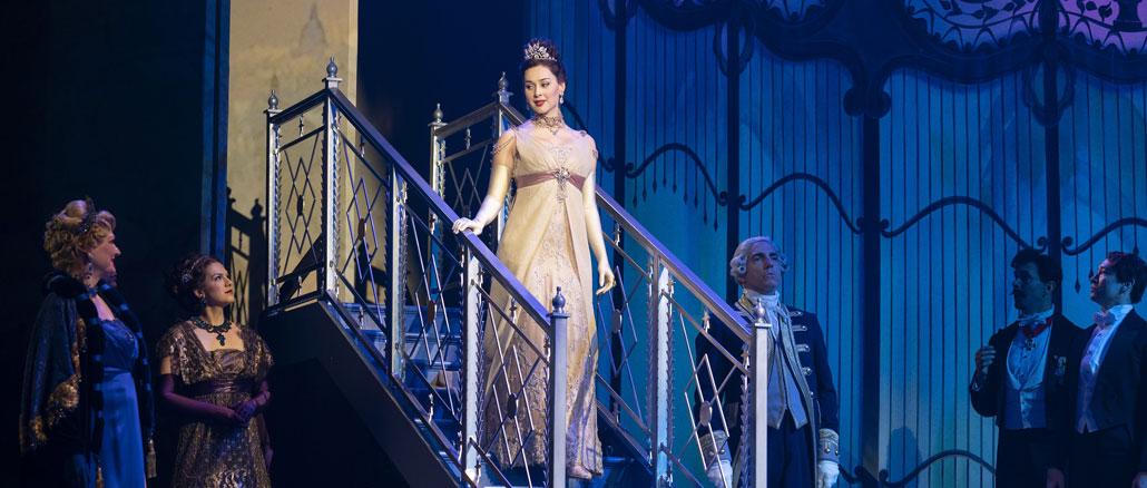 """Сцена из мюзикла """"Моя прекрасная леди"""". Фото - Джоан Маркус"""