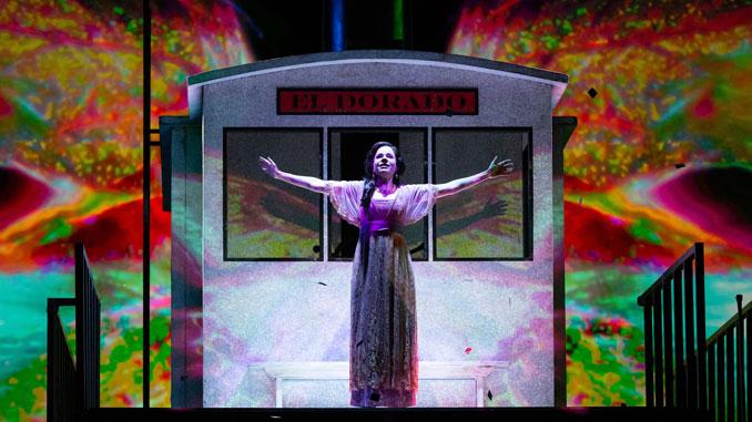"""Сцена из спектакля """"Флоренсия в Амазонии"""" (Хьюстонская опера). Фото - Линн Лейн"""