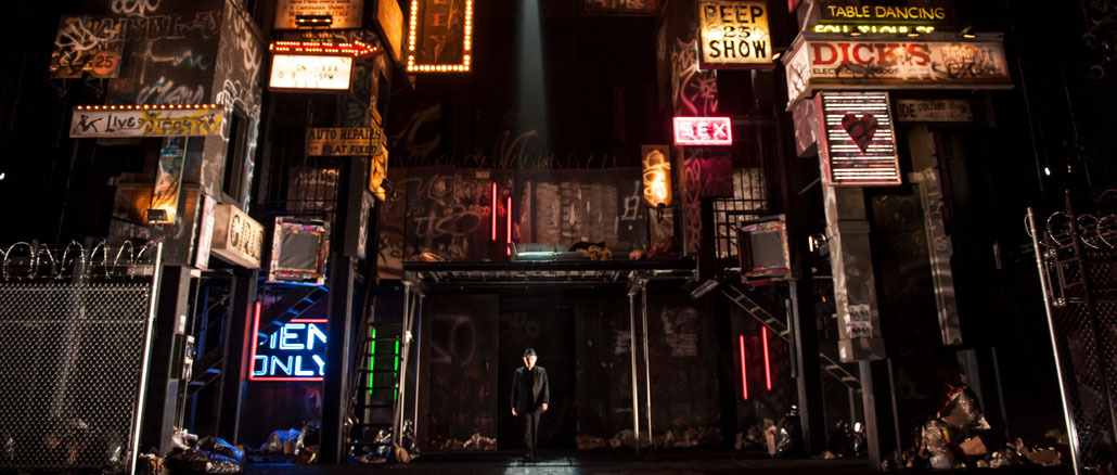 "Сцена из спектакля ""Мера за меру"". Фото - Лиз Лоурен"