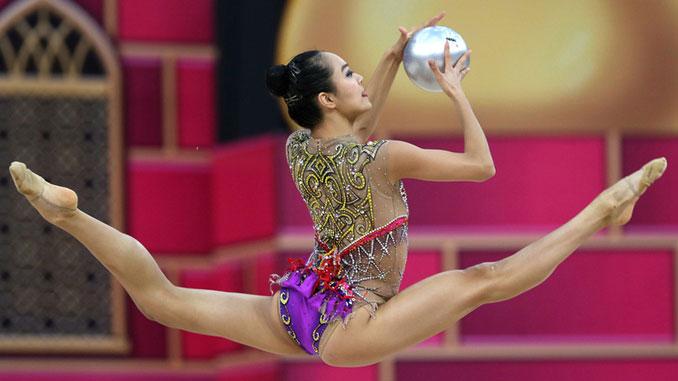 Лора Зенг