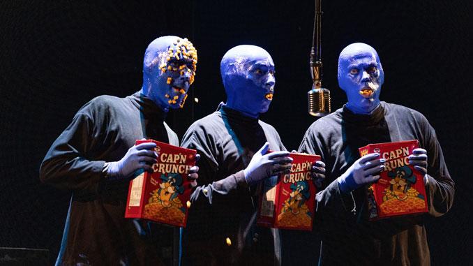 Сцена из шоу Blue Man Group. Фото - Кайл Флубакер