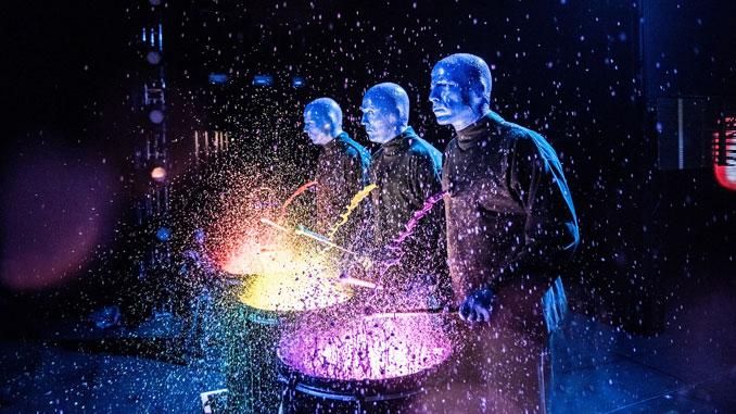 Сцена из шоу Blue Man Group. Фото - Blue Man Group Chicago