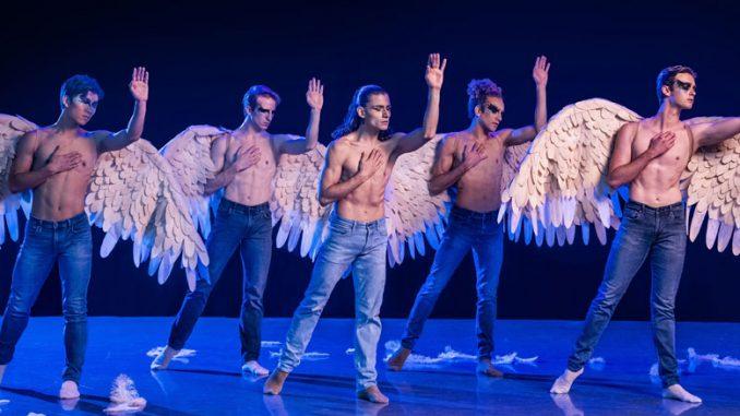"""Сцена из балета """"Swing Low"""". Фото - Тодд Розенберг"""